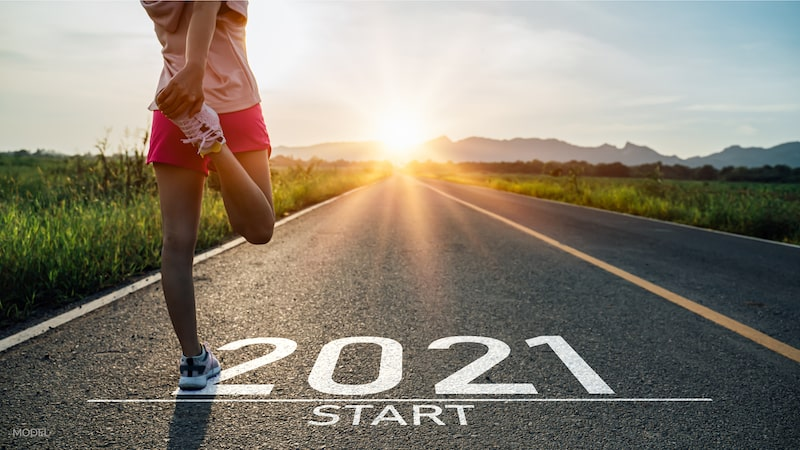 Woman runner at the 2021 starting line.